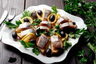 Mackerel with baked potatoes