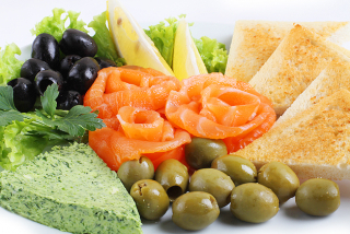 Lightly salted salmon with olives