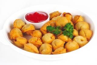 Fried dumplings with minced chicken