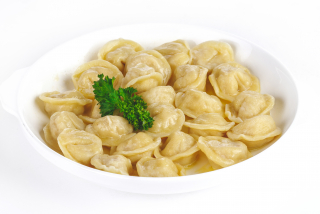 Boiled dumplings with minced chicken