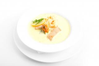 Шафрановый суп с морепродуктами