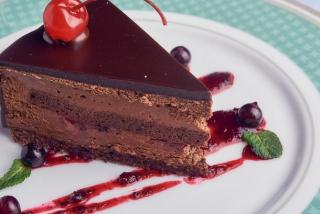 Tortă cu ciocolată
