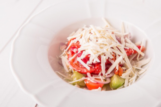 """Shopska"" salad with bell peppers"