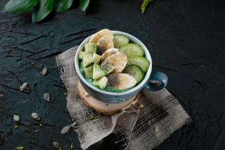 Смузи с авокадо и спирулиной