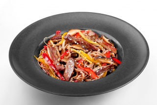 Soba noodles with beef