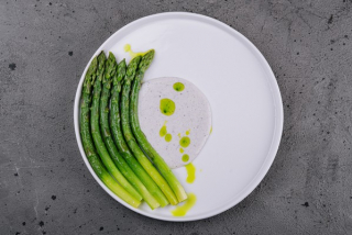 Grilled or steamed asparagus