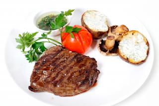"Steak ""Anti-STROGANOFF"""