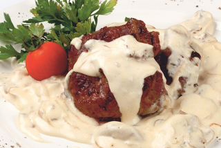 "Steak ""Diana"" with mushroom sauce"