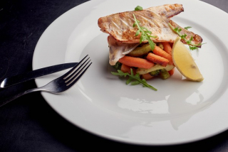 Pike perch baked with broccoli and carrots baby