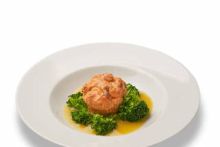 Salmon soufle with broccoli and mango sauce