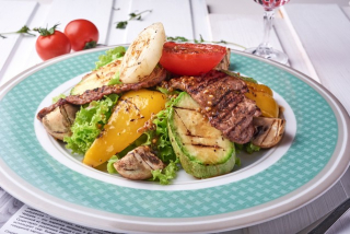 Warm grilled salad with veal
