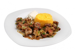 Polenta with chicken meat