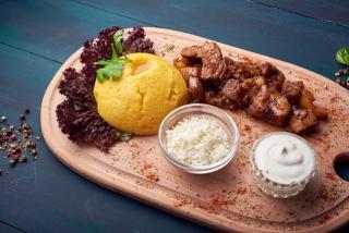 Pork Ragout with Mămăligă