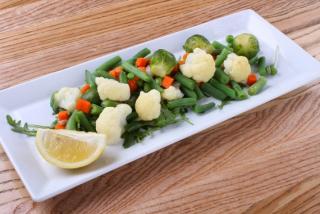 Тушеные овощи с лимоном и оливковым маслом