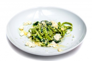 Tagliatelle with spinach and ricotta