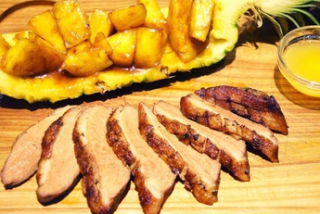 Duck breast with ananas