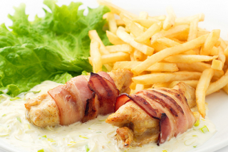 Chicken fillet in bacon