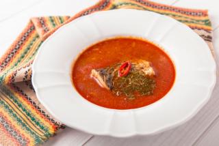 Венгерский рыбный суп из карпа