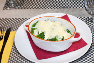Baked broccoli in creamy sauce