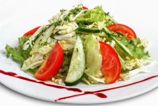 """""""Зеленый"""" салат с соусом винегрет"""