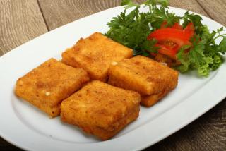 Сыр пане с беконом